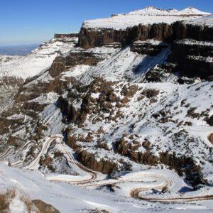 blanket of snow on the sani pass